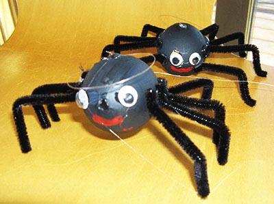 Как сделать паука руками 527