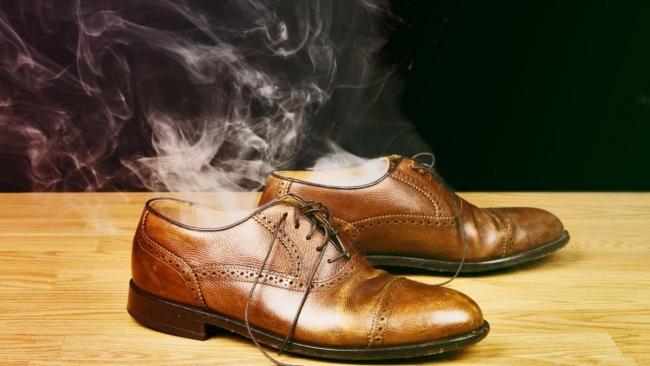 Як в домашніх умовах розтягнути вузький і тісний шкіряне взуття 55bb097a23e69